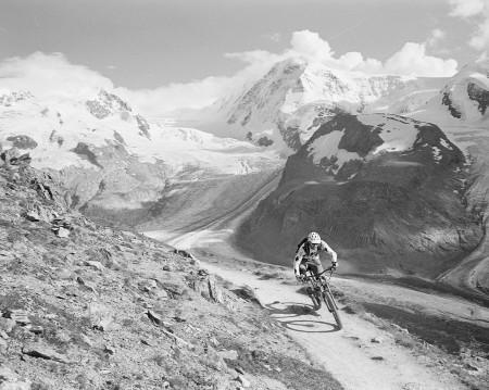 Stefan riding a flawy trail close to the Gornergrat station in Zermatt.